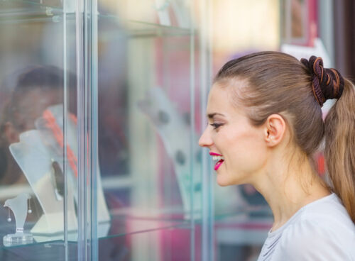 Your Guide to Buying an Affordable Jewellery Display Cabinet