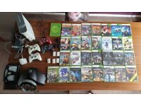 XBOX 360 / 30 GAMES / STEERING WHEEL / 4 CONTROLLERS