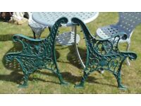 (#782) vintage pair of garden cast iron bench ends (Pick up only, Dy4 area)