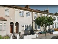 Beautiful double room to rent in South Norwood. Available immediately.