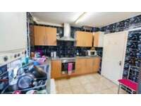 3 bed flat to rent Greatfield Avenue, Eastham E6
