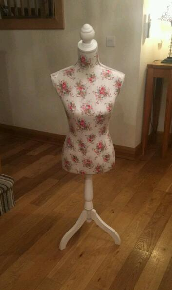 Floral rose patterned mannequin