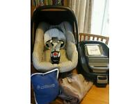 Maxi Cosi Pebble Car Seat with Family Fix Base, Rain Cover and Summer Cover