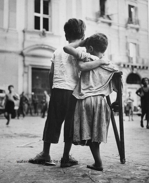"Children in Naples, Italy helping his friend 8""x 10"" World War II Photo #176"
