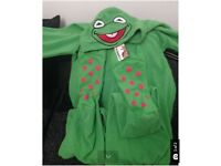HALLOWEEN BED COSTUME MENS DISNEY KERMIT FROG ONESIE LARGE MASK HOODIE