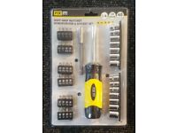 FIX IT! Screwdriver & Socket Set