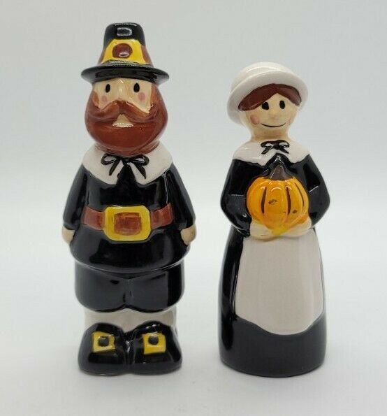 Blue Sky Clayworks Heather Goldminc Thanksgiving Pilgrims Salt And Pepper Set