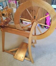 Ashcroft traditional spinning wheel with 3 bobbins.