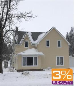 R36/Minnedosa/Remodelled from the top to the bottom~by 3% Realty