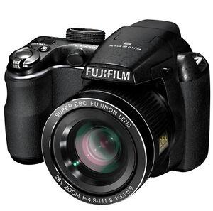 Fuji-Finepix-S3300-S3380-14MP-HD-Digital-Camera-26X-Zoom-720p-Video-3-LCD-Black