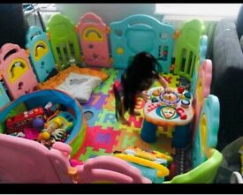 LARGE PLAYPEN GREAT CONDITION LIKE NEW