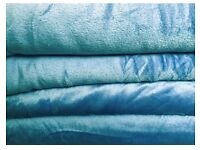 KING SIZE BLANKET BED THROW LIGHT BLUE VERY SOFT AND WARM