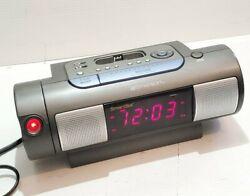 Emerson iC172 Smart Set Dual Alarm Clock Projector AM/FM Radio iPod iPhone Dock