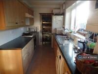 3 bedroom flat in Keith Road, Hayes, UB3 (3 bed)