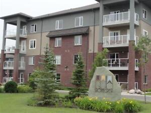 Condo for Sale in Highly Desirable Lindenwoods