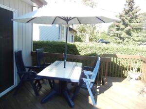 Ensemble table et chaises de patio