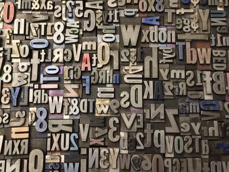 Lot of 100 VINTAGE Metal LETTERPRESS Print Type Block ALPHABET Letters & Numbers