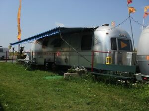 Roulotte Airstream Excella II, 28 pieds