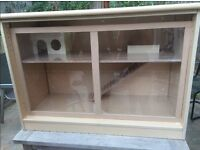 Discreet Small Animal Hutch for Indoors