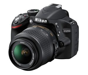Nikon D3200 (barely used)
