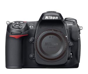 Caméra Nikon D300S (boitier, couroie et 2 batteries + chargeur)