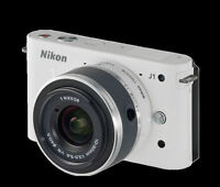 LIKE NEW NIKON 1 J1 DIGITAL CAMERA 10.1 MP VR 10-30MM