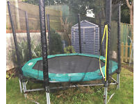 Outdoor Trampoline 8ft x 8ft (8 post) with new safety net and recently replaced pad