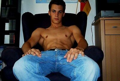 Shirtless Male Frat Jock Bare Chest Abs Sitting in Jeans Cute Guy PHOTO 4X6 N130