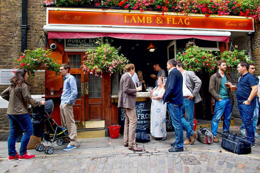 Bar Staff - Lamb & Flag