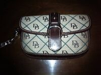 ~Dooney & Bourke~ Wristlet Clutch *NEW*
