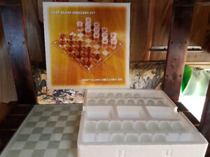 - sold - Shot glass checkers set