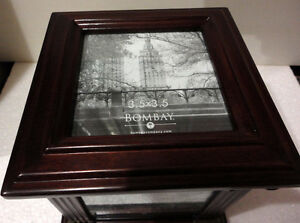 Bombay wooden/glass cube photobox decorative accent London Ontario image 3