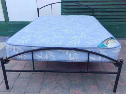 Excellent double bed black metal frame+mattress. Delivery can do