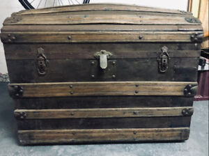 Coffre antique  /- 100 ansAntique wood chest  /- 100 years old