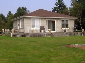 3 BR Bayfront cottage - close to Charlottetown (avail August 20)
