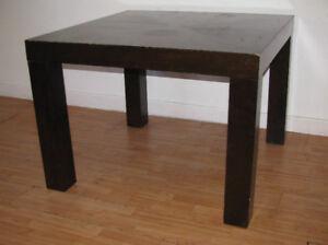 Table de cuisine ou salle à dîner en bois massif
