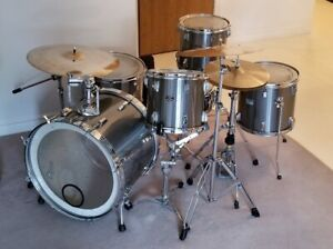 Tama DRUM KIT With Hardware Complete, Mint Cond, Orig Owner
