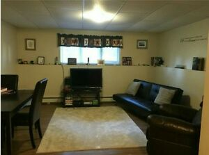 Comfortable & Quiet One Bdrm Apartment Available Dec. 1st!!