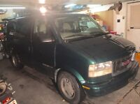 $1800 REDUCED PRICE - GMC Safari AWD 2002 - NEED GONE ASAP