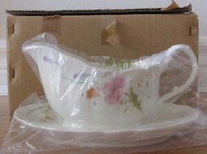 NEW Mikasa Gravy Boat+Saucer ~ Excellent House Warming Gift ~