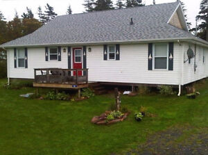 Great Cottage for rent: Lakeside Beach next to Crowbush Cove GC
