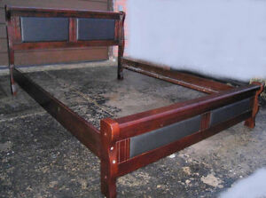Heavy Duty Solid Wood Queen Bed Frame,delivery possib$$, read in