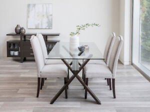 Excellent Condition Glass Dining Table