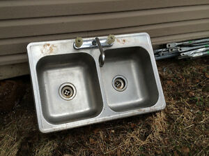 2 stainless steel double sinks