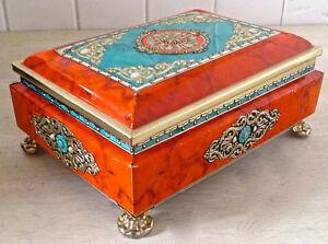 Antiquité. Collection. Magnifique boîte en fer Angleterre