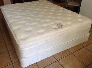 Queen size mattress and box spring *** delivery available