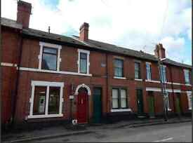 Double room in a characterful victorian villa located in Stanley St. Derby