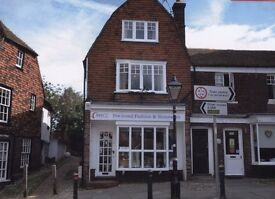 BEAUTIFUL ONE-BEDROOM APARTMENT ON TWO FLOORS IN LISTED BUILDING NEXT TO LANDGATE IN HISTORIC RYE