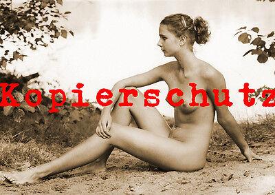 fraus nackt allein am strand video nina hartley teen