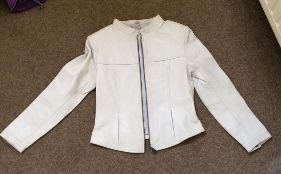 White Leather Jacketsmallexcellent conditionin Newquay, CornwallGumtree - Will fit a size 8 10. Fitted white leather jacket in excellent condition